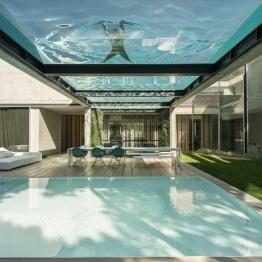 the-wall-house-by-guedes-cruz-arquitectos-image-ricardo-oliveira-alves-001