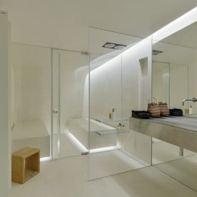 the-wall-house-by-guedes-cruz-arquitectos-image-ricardo-oliveira-alves-002