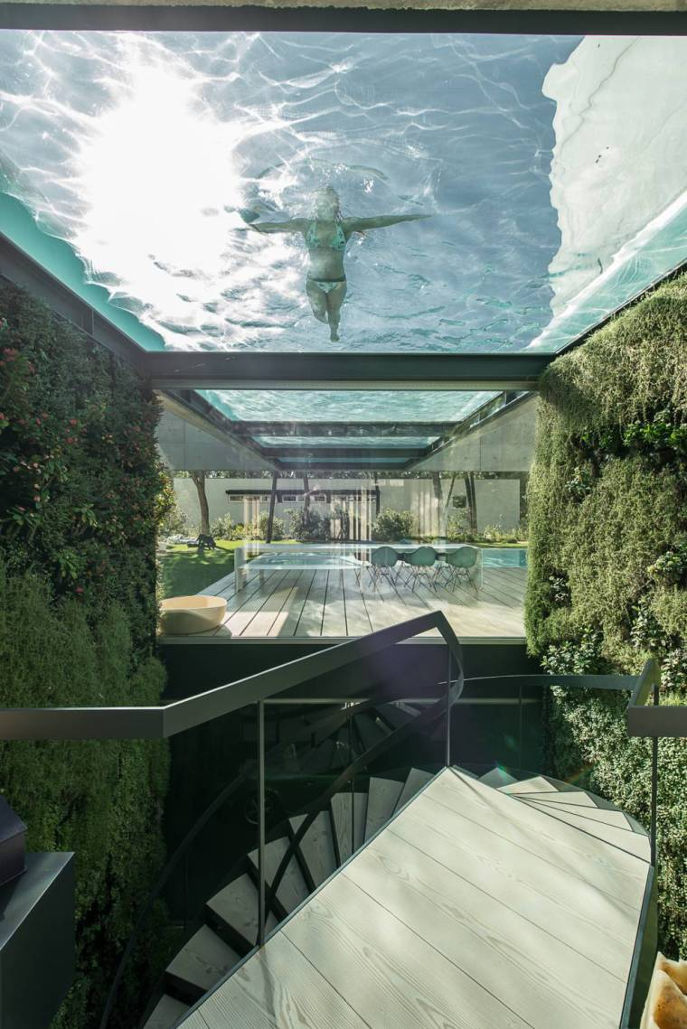 the-wall-house-by-guedes-cruz-arquitectos-image-ricardo-oliveira-alves-008