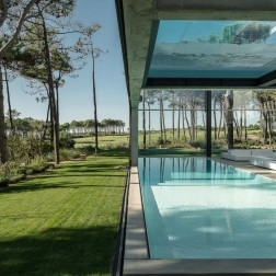 the-wall-house-by-guedes-cruz-arquitectos-image-ricardo-oliveira-alves-019