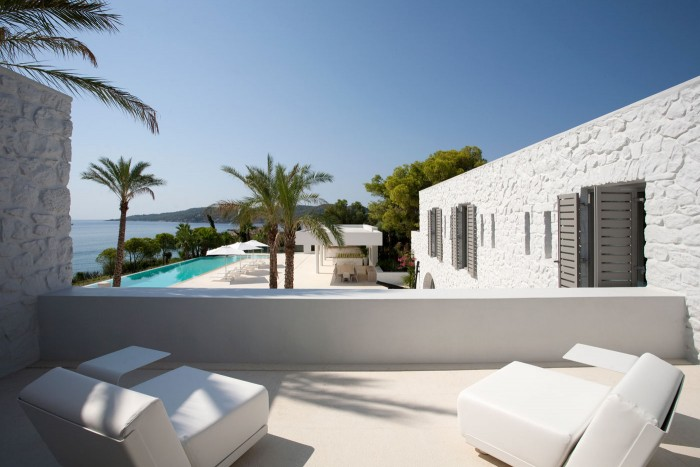 009_Divercity_House-in-Spetses_Cathy-Cunliffe_web-700x467