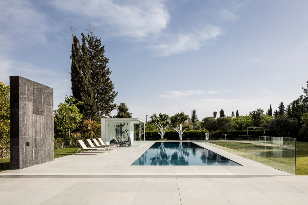 F House by Pitsou Kedem Architects