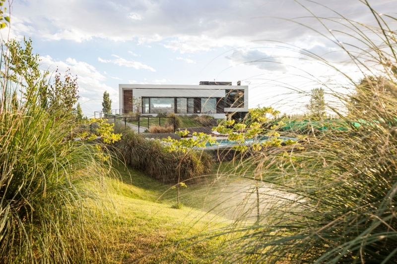 ramp-house-andres-remy-arquitectos-001-mg_8863