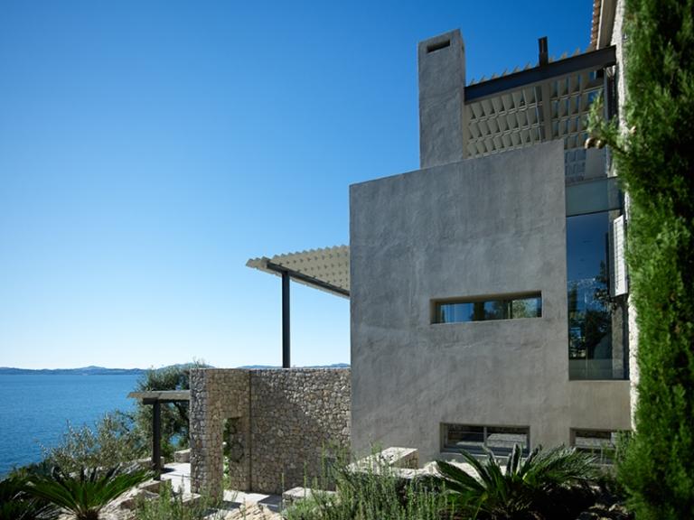RESIDENCE IN CORFU BY ZOUMBOULAKIS ARCHITECTS 02