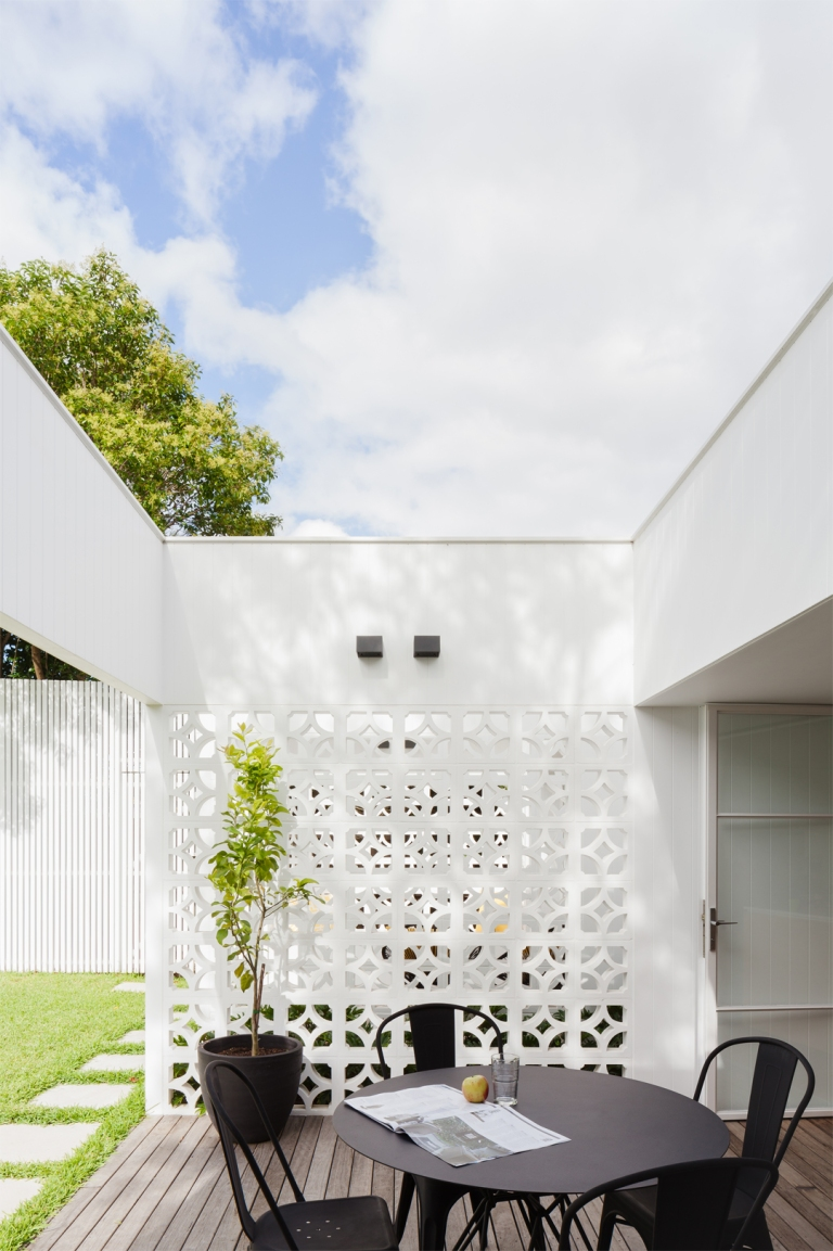 House Breeze Block By Architect Prineas Casalibrary