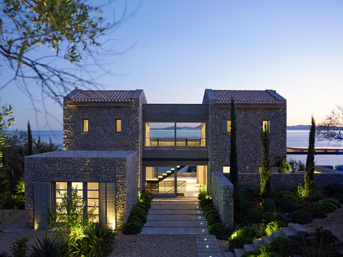 Residence in Corfu by ZoumboulakisArchitects