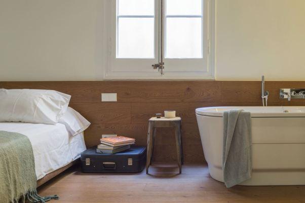 16-nook-habitacion-parquet-lavabo