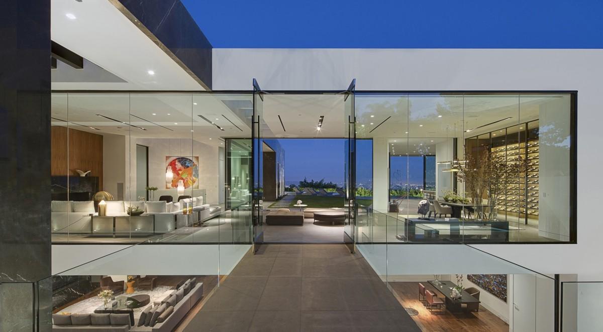 McClean Design/T1 Residence