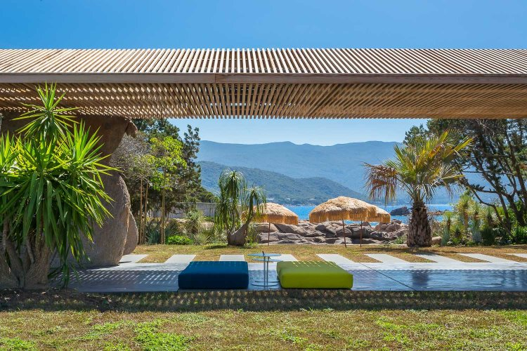 villa-contemporaine-corse-11
