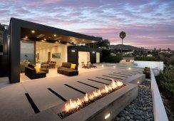01-Abramson-Teiger-Architects-Glenhaven-Residence-Exterior-Back