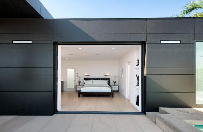 05-Abramson-Teiger-Architects-Glenhaven-Residence-Bedroom-Exterior