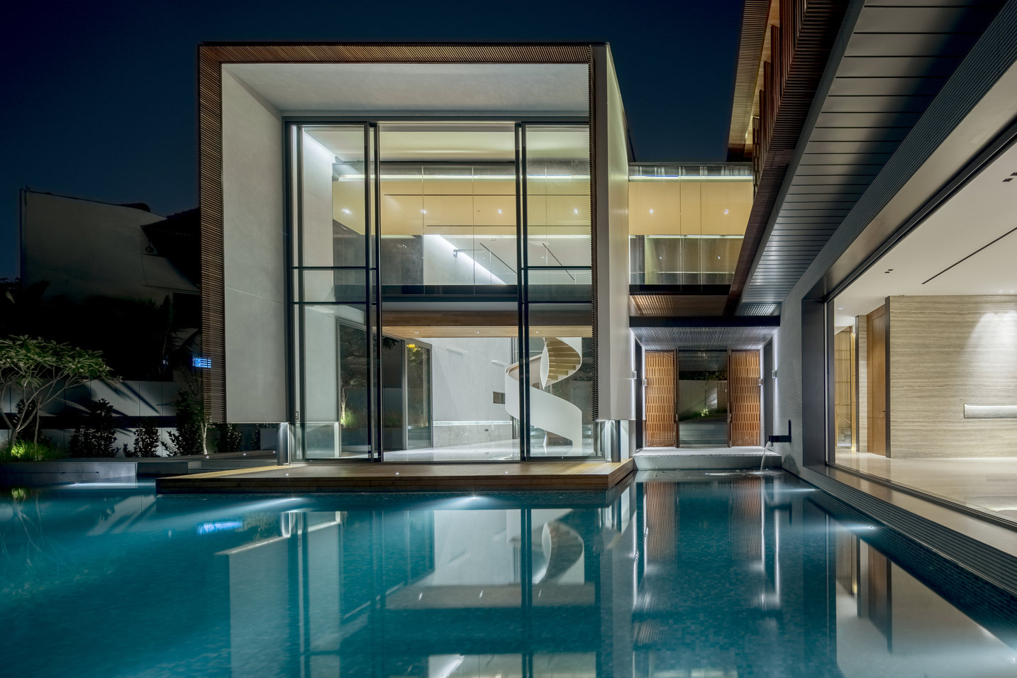 House Off Cluny by RT+Q Architects