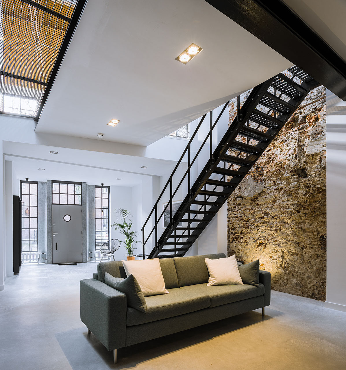 Loft SIXTY-FOUR by EVA architects