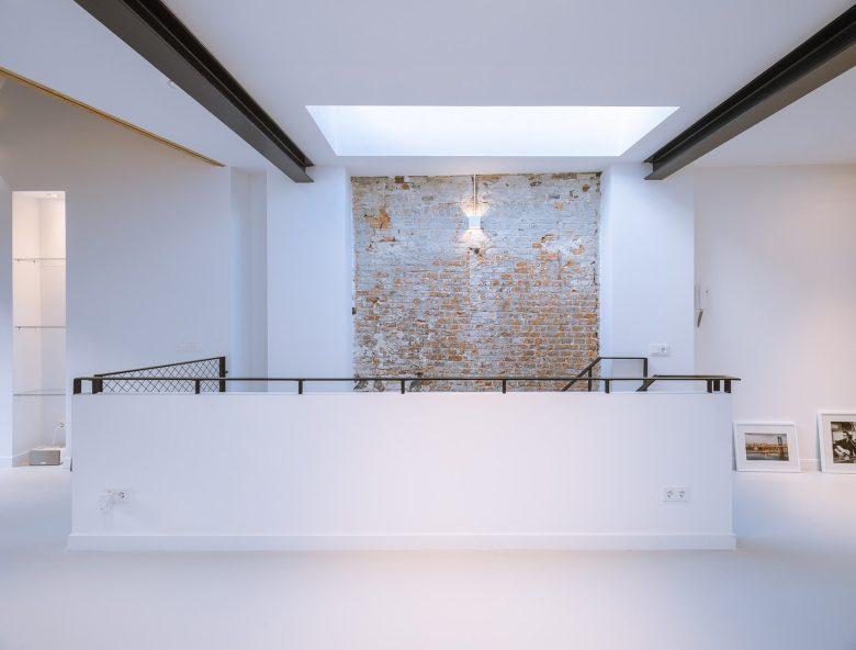Loft-EVA-architecten-05-brick-wall-1684x1280