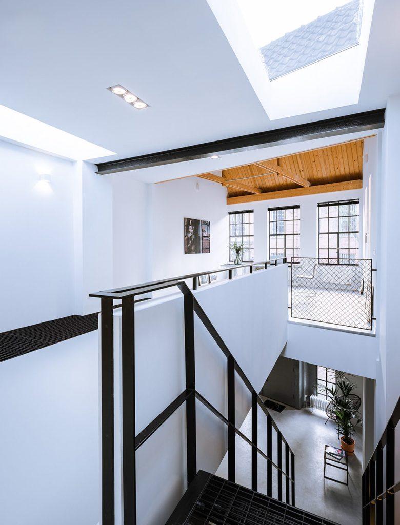 Loft-EVA-architecten-06-stairs-975x1280