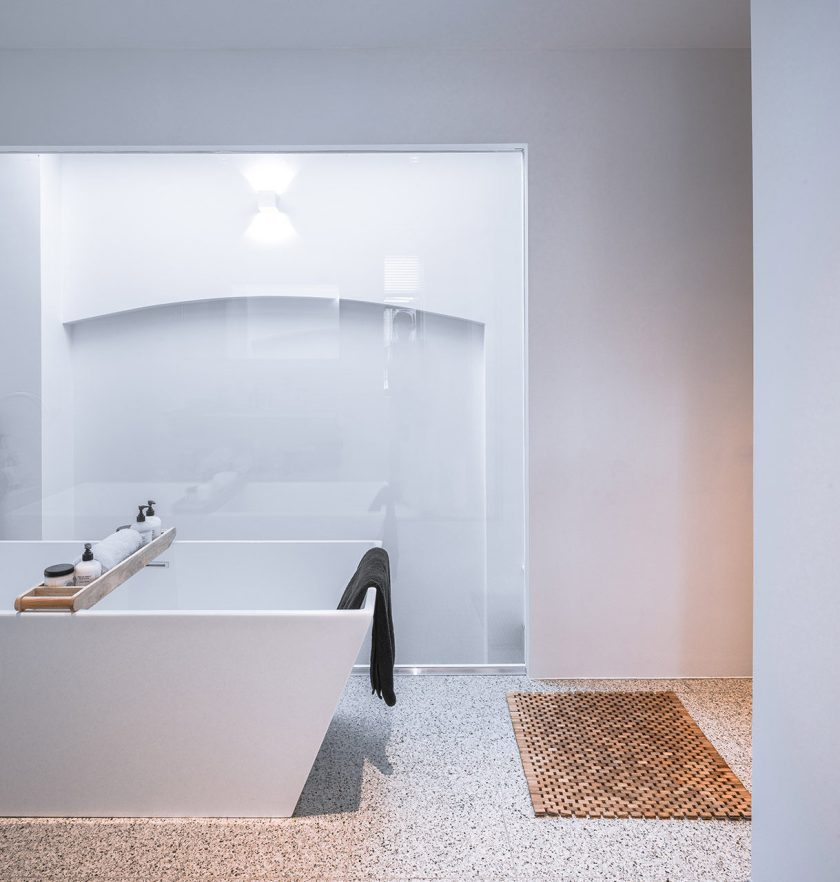 Loft-EVA-architecten-08-bathroom-1219x1280