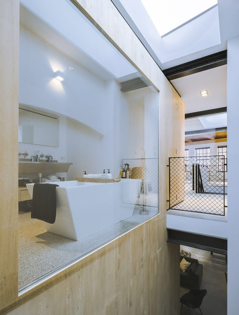 Loft-EVA-architecten-10-bathroom-972x1280