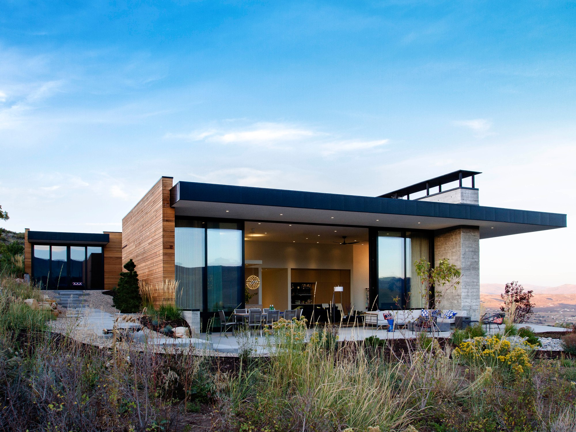 Park city modern residence by sparano mooney architecture for Utah home design architects