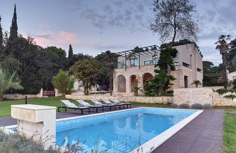 Villa Martinuzzi_ Croatia_ TOBIS_04