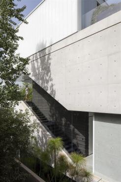 concrete-cut012