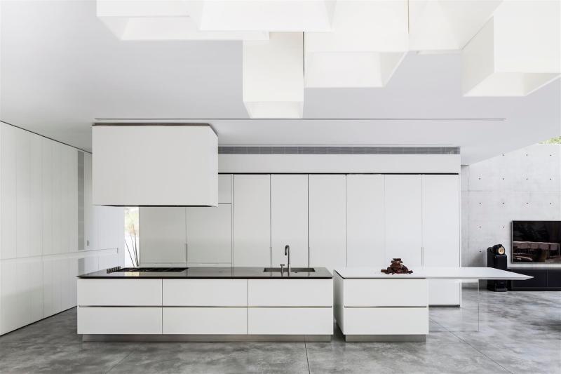 concrete-cut016