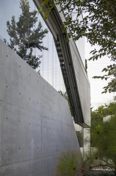 concrete-cut027