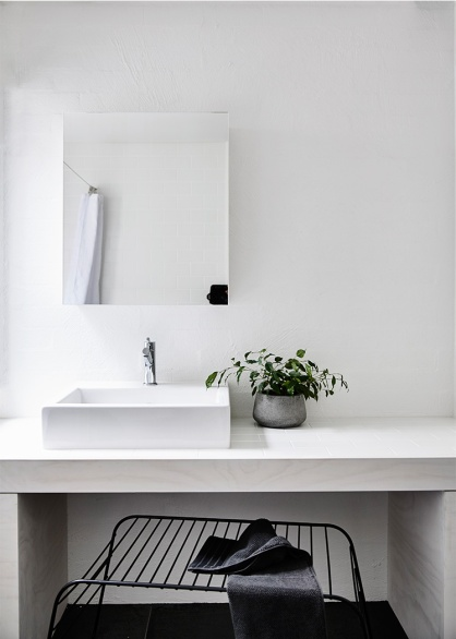 Courtyard-Cottage-Flinders-Wolveridge-Architects-Award-Winning-Sustainable-Residential-Architecture-JWA-Flinders12