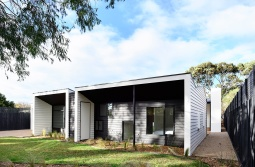 Courtyard-Cottage-Flinders-Wolveridge-Architects-Award-Winning-Sustainable-Residential-Architecture-JWA-Flinders2
