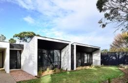Courtyard-Cottage-Flinders-Wolveridge-Architects-Award-Winning-Sustainable-Residential-Architecture-JWA-Flinders5