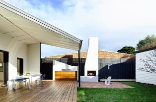 Courtyard-Cottage-Flinders-Wolveridge-Architects-Award-Winning-Sustainable-Residential-Architecture-JWA-Flinders7