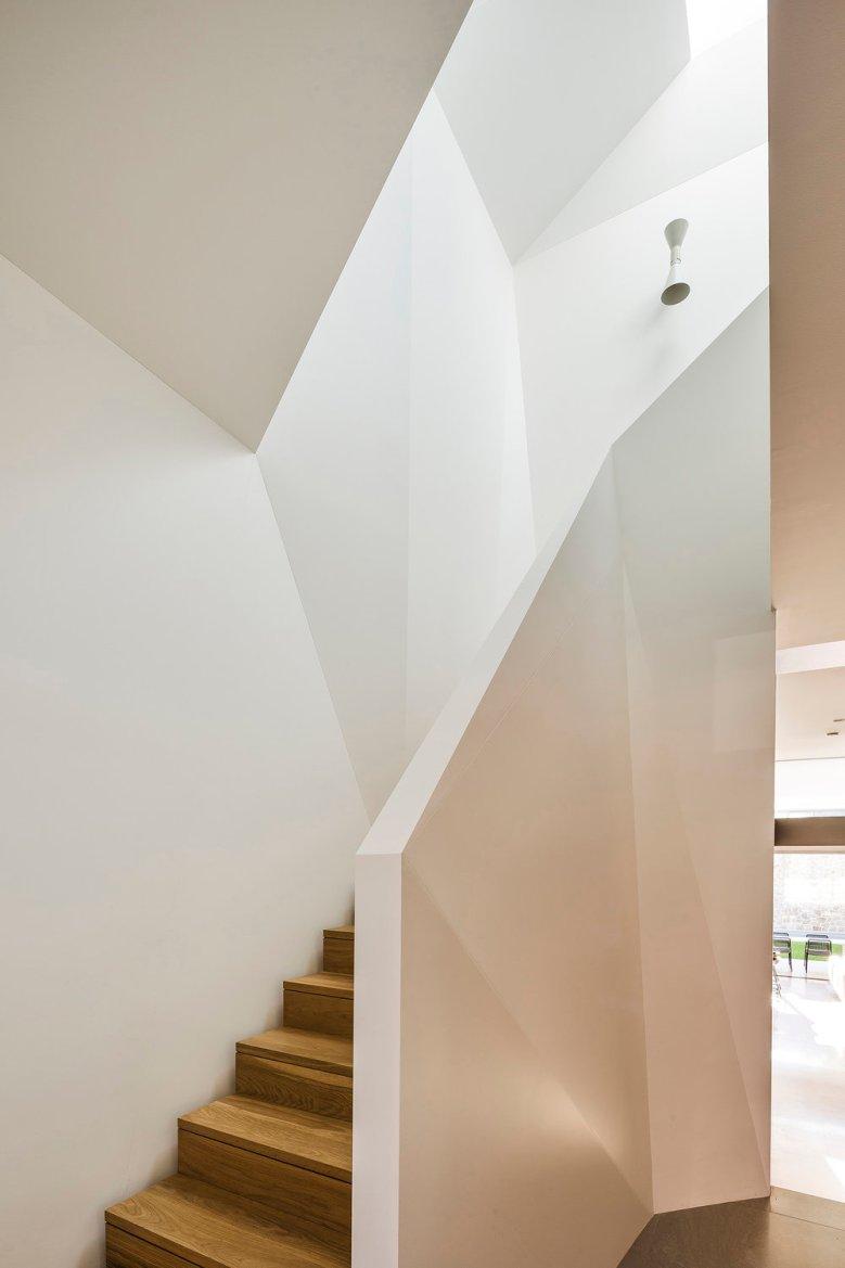 MAdeleine+blanchfield+architects+queens+park+01