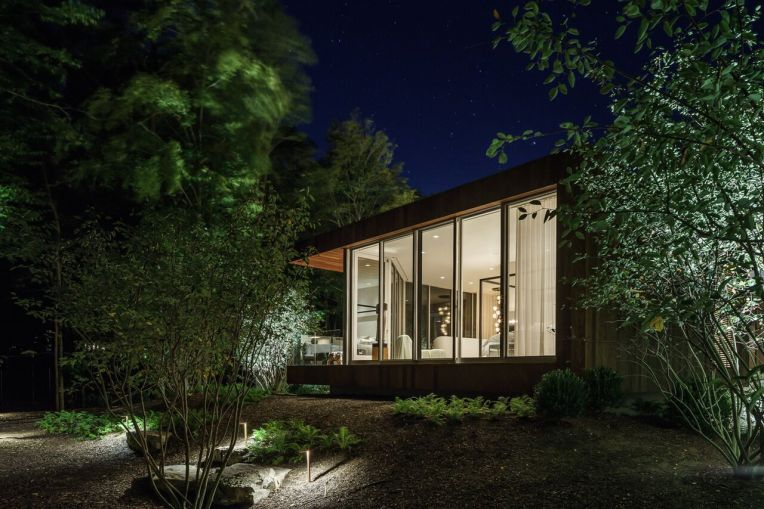 Old Orchard House by Blaze Makoid Architecture 24