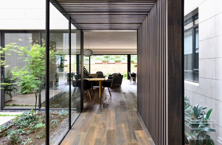 Wolveridge-Architects-East-Melbourne-Heritage-Victorian-Terrace-House-Conversion-Renovation-Townhouse-Development-Courtyard-Award-Winning-03