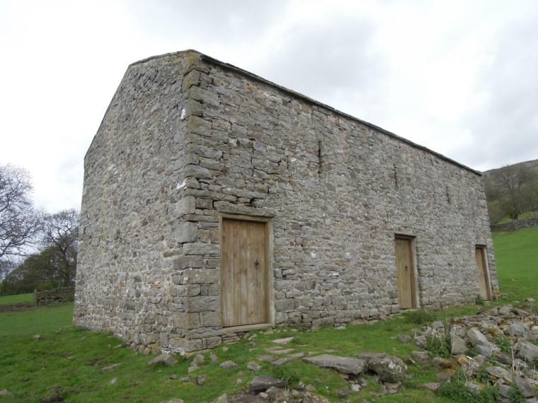 Camino-de-playa-jamie-fobert-architects-yorkshire-barn-three-doors-1024x768