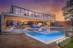 123dv-cool-blue-villa-swimmingpool-at-dusk
