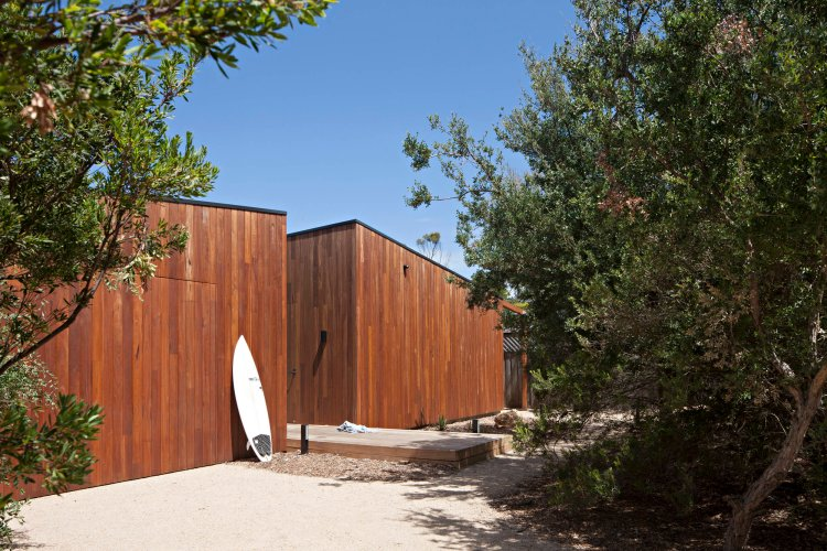 bower-architecture-hide-seek-timber-beach-house-modern