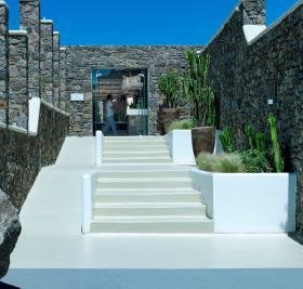 Mykonos, Bill & Coo Coast Suites by K-Studio 12