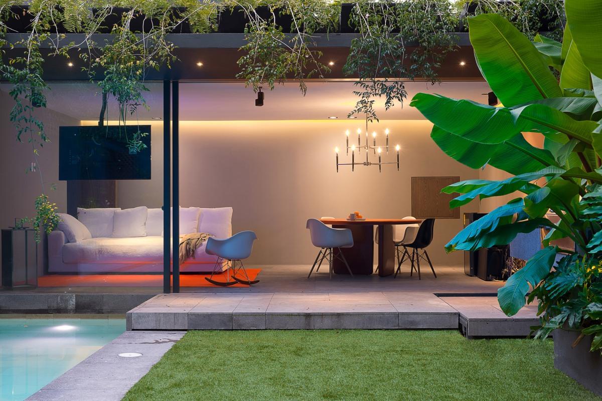 Barrancas house by Ezequiel Farca + CristinaGrappin