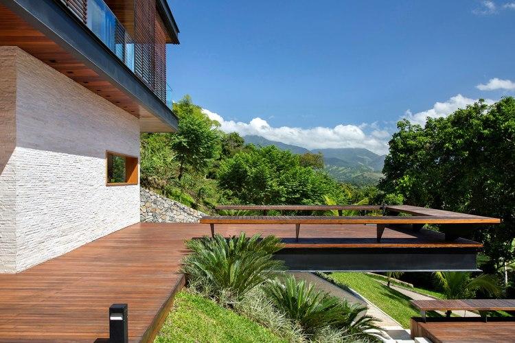 casa-portobello-06-vista-balanço-madeira-externa-lateral-tripper-arquitetura