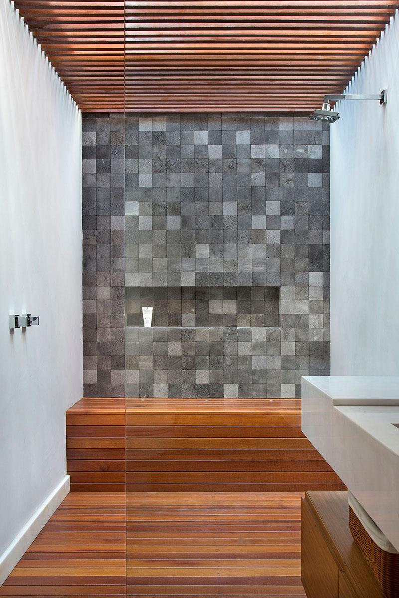 casa-portobello-27-vista-interna-banheiro-interior-madeira-decoração-tripper-arquitetura