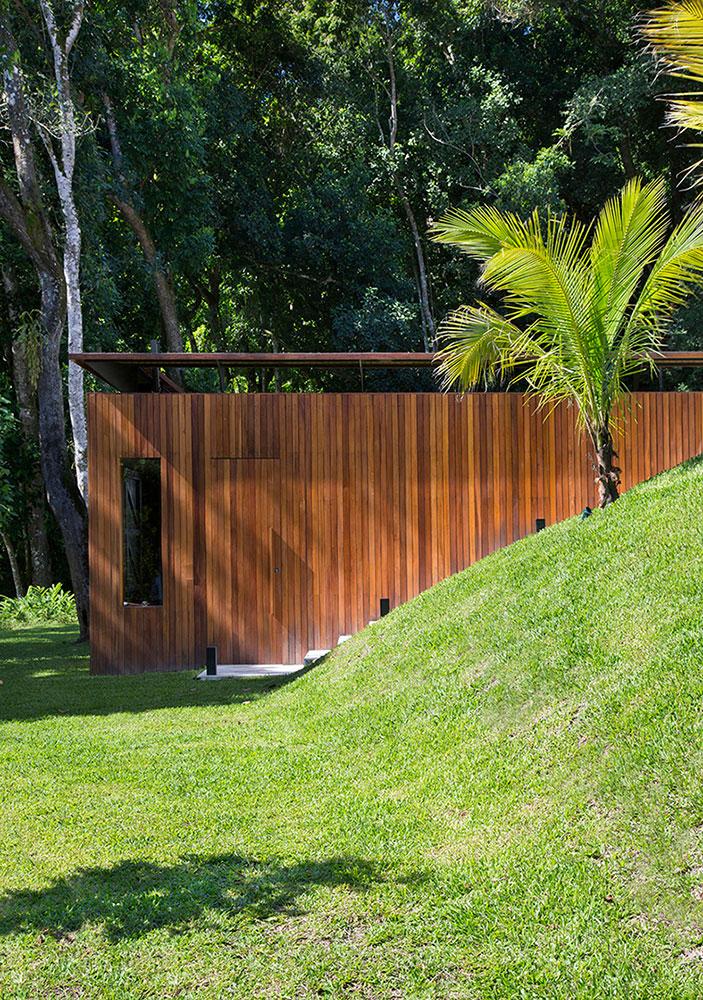 casa-portobello-29-vista-externa-madeira-painel-tripper-arquitetura