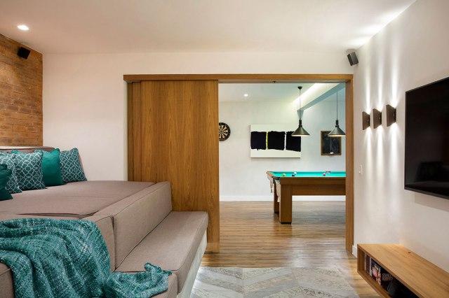 casa-portobello-37-vista-interna-cinema-jogos-decoração-tripper-arquitetura