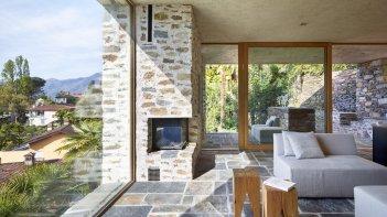 Lake house in Ascona by Wespi de Meuron Romeo architects 02