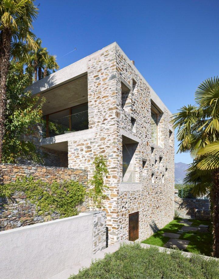 Lake house in Ascona by Wespi de Meuron Romeo architects 03