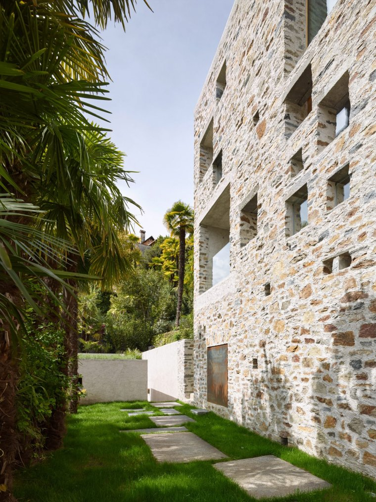 Lake house in Ascona by Wespi de Meuron Romeo architects 06