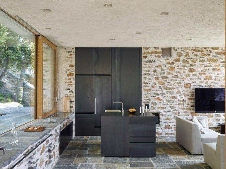 Lake house in Ascona by Wespi de Meuron Romeo architects 09