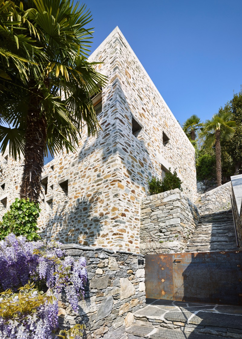 Lake house in Ascona by Wespi de Meuron Romeo architects 11