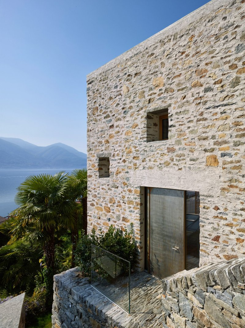 Lake house in Ascona by Wespi de Meuron Romeo architects 12