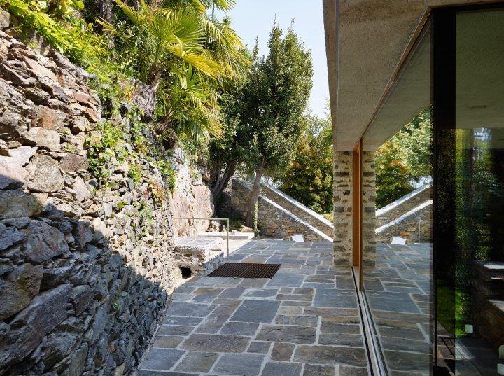 Lake house in Ascona by Wespi de Meuron Romeo architects 15