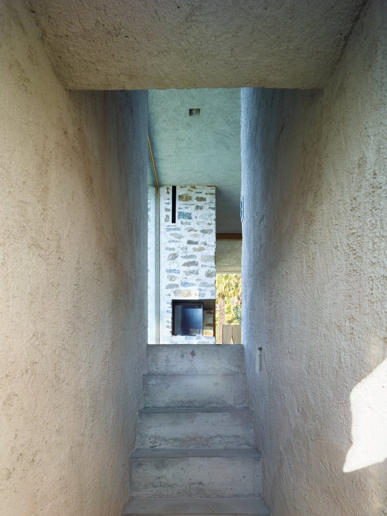 Lake house in Ascona by Wespi de Meuron Romeo architects 19